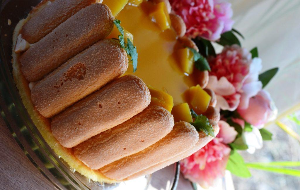 Торт Шарлотта с манго