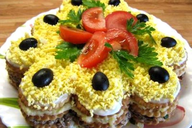 Закусочный торт с крекерами