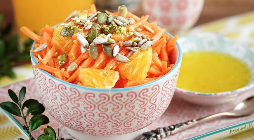 Салат с морковкой и апельсином