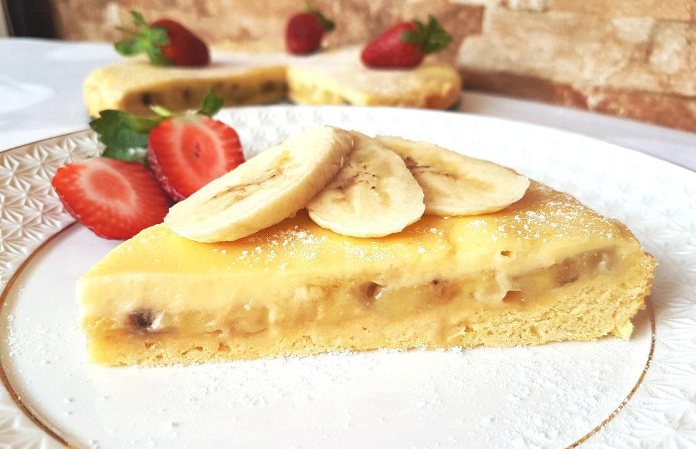 Яблочно-банановый пирог к утреннему кофе за 20 минут