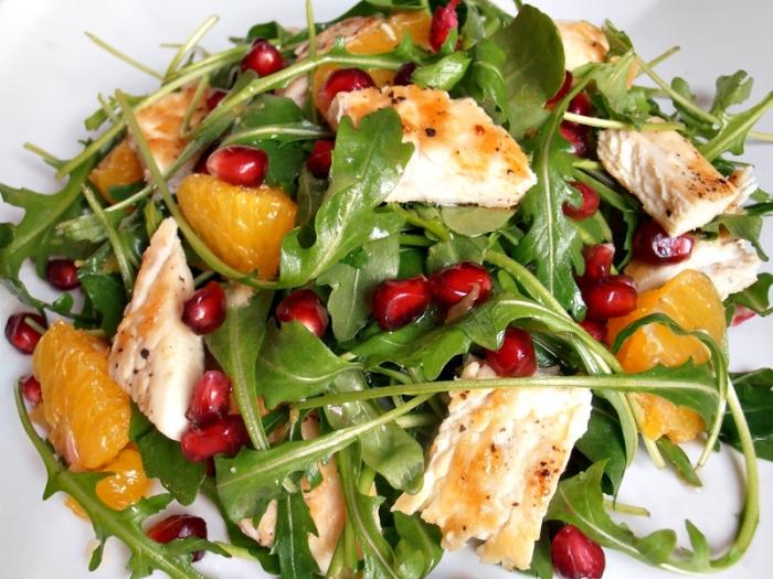 Салаты с куриным филе ягодами, фруктами