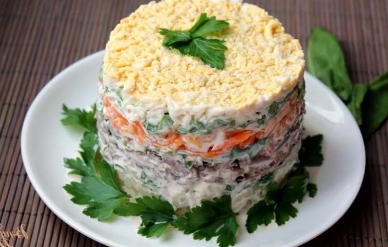 Салат слоёный Печёнкин