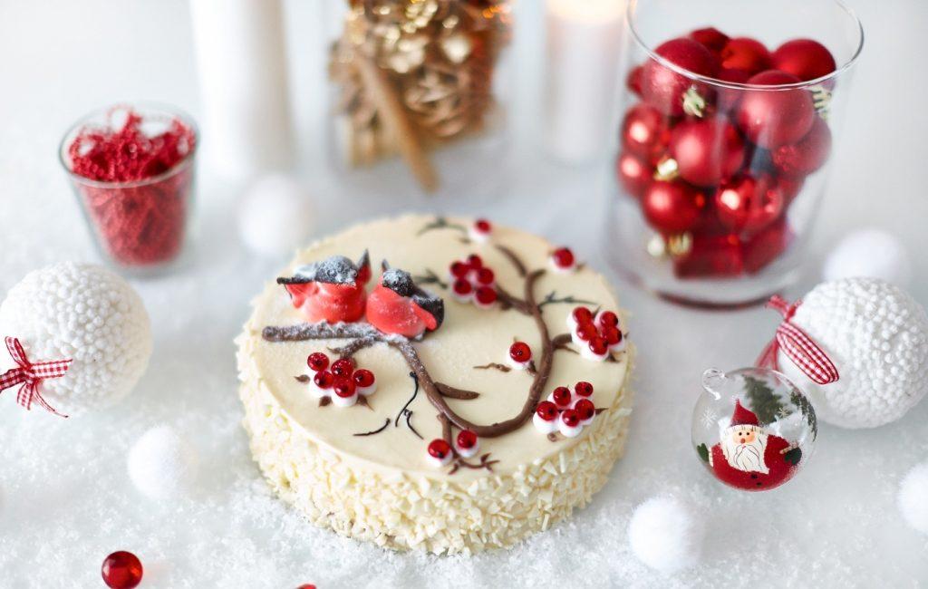 Новогодний торт Ягоды на снегу
