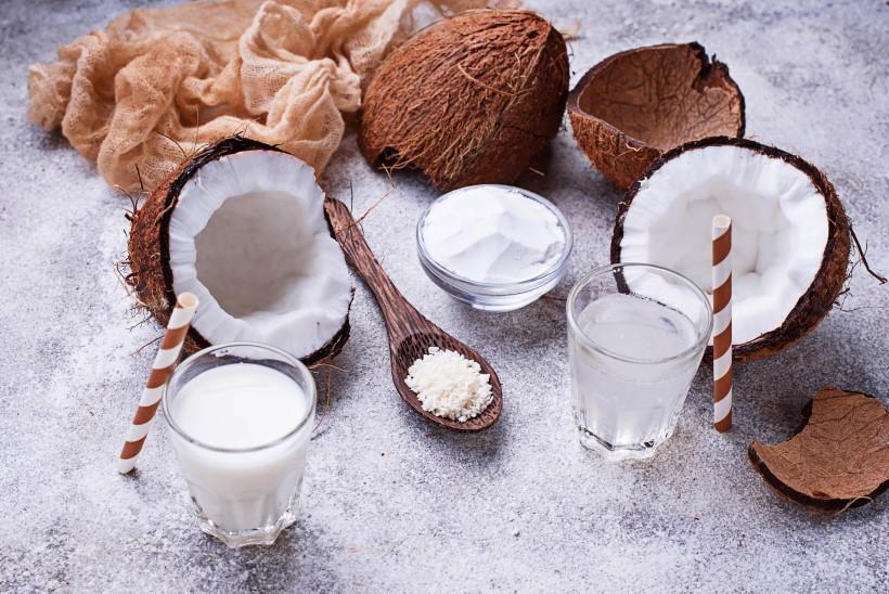 Выпечка и десерты с кокосом