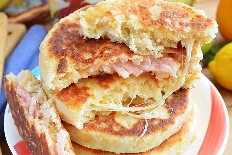 Сырные пышки с начинкой за 10 минут