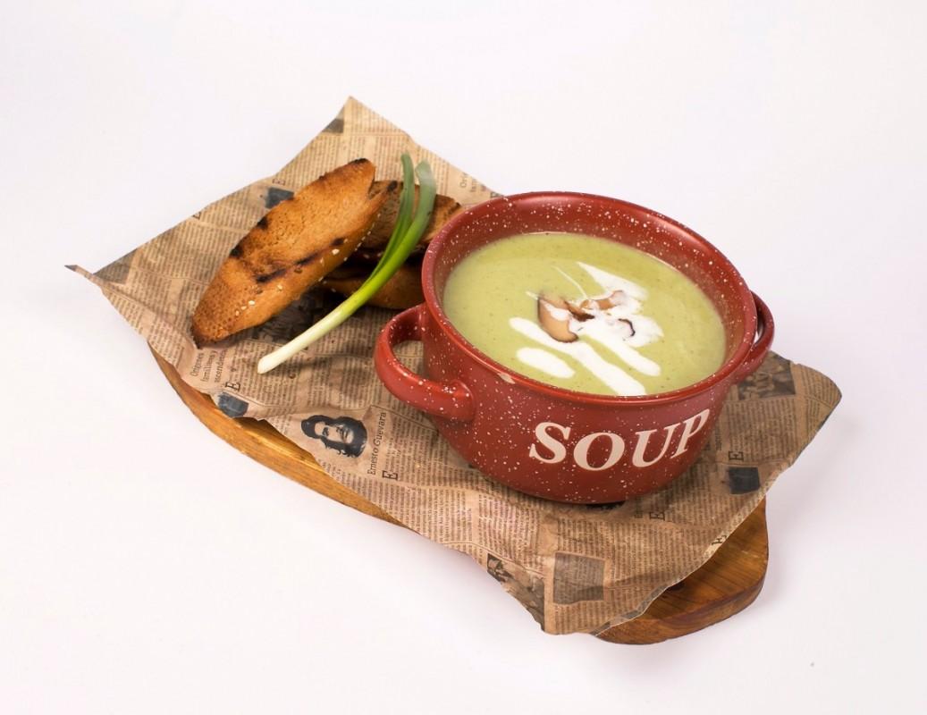 Крем-суп из шпината с белыми грибами